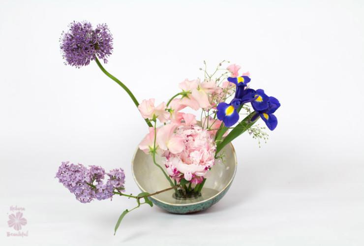 Ikebana the wonderful japanese art of flower arrangement for Japanese flower arranging crossword clue