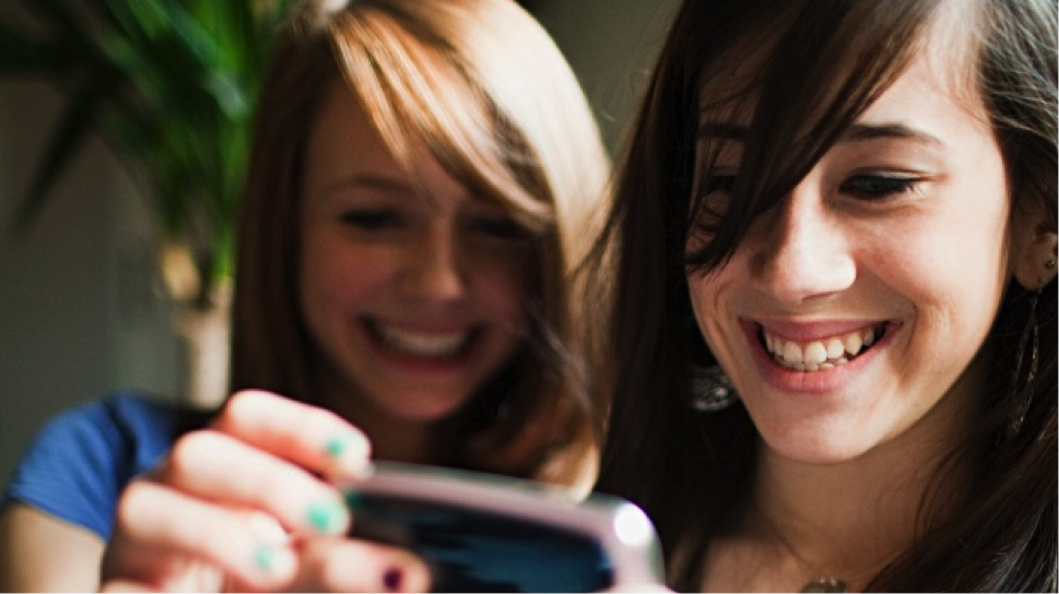 Chartboost Reveals That Women Make Up the Majority of Mobile Gamers